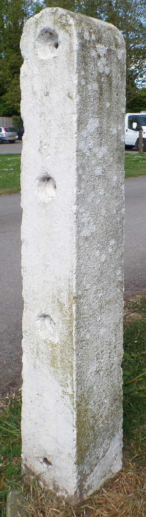 concrete Post (High St)