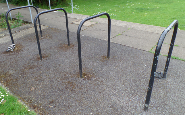 library cycle rack (Elm Rd)